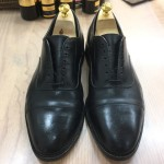靴を磨く→革がピッカピカになる、靴を磨く→革がもっちもちになる